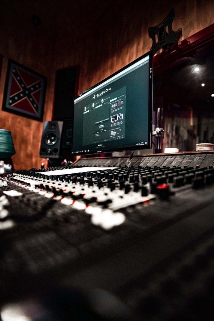 Start.it x VOX Music